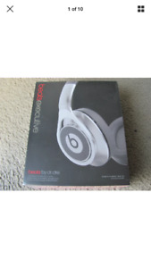 Beats by Dre Executive Headphones 100$