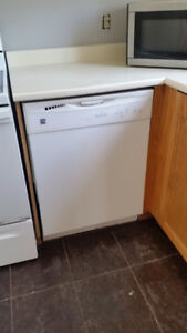 Kenmore dishwasher in good condition