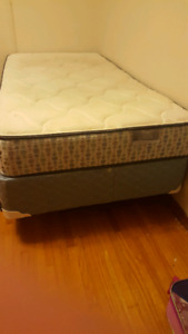 Twin mattress with metal frame