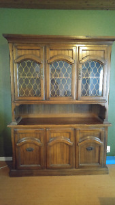 *MOVING* Hutch / China Cabinet Real wood / matching end table.