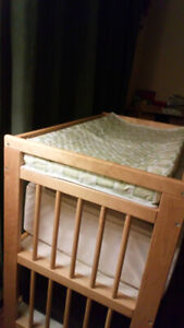 Table a Langer ** Diaper / Changing Table