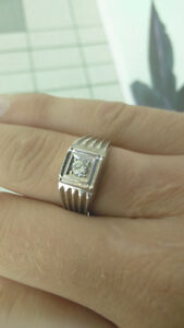 900 obo white gold vs1 diamond ring