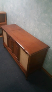 Vintage record player/stereo