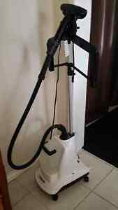 Clothes Steamer - like new Prince George British Columbia image 3