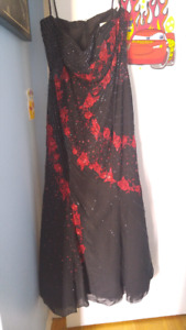 Womens size XL strapless gown