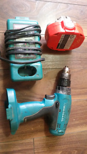 Makita 18v drill  with charger and battery