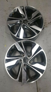 2 Mags Hyundai Elantra (2013-2016) 17 pouces/inch usagée/used