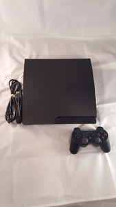 Sony Playstation 3 PS3 320GB SLIM. Mint