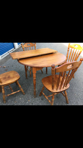Solid wood dining/ kitchen table set