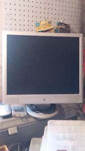 HP square monitor 20""