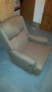 Comfortable recliner chair for sale. (25.00, or best offer.)