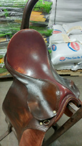 Imperial Dewent by Cavalier 16 English Saddle