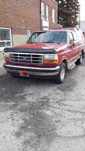 1994 Ford F150 xlt... ext cab Camionnette