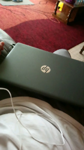 HP 500MB Laptop and mouse w/ pad