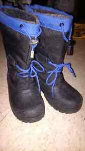 boys size 1 winter boots new