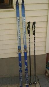 Équipement de ski de fond / Cross-country skiing kit / no boots
