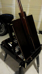 Portable artists easel / stand -- Perfect condition