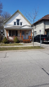 Large 3BR House -Central St. Catharines