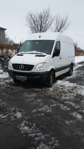 MERCEDEZ SPRINTER 2011 DIESEL TRES BAS KM SUPER CONDITION .