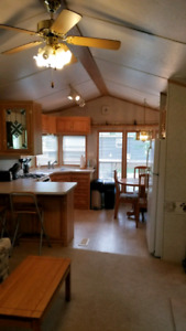 2 + 1 BED Cottage at Cherry Beach  (10 mins to Sandbanks)