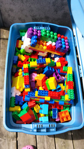 Tub of duplo and other lego