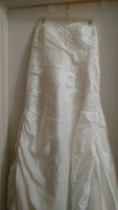 Plus size Ivory Wedding Dress. $150 obo