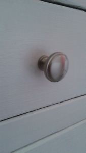 Cupboard knobs/handles