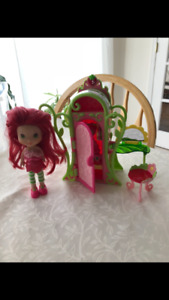 Strawberry Shortcake vanity set