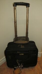 Tommy Bahama - Nassau Collection - 16 Inch Carry-On Luggage