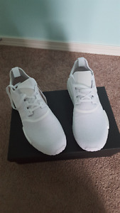 NMD R1 - Triple White DS