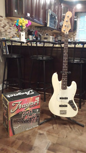 2000 Fender Jazz Bass & practice amp