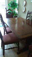 KITCHEN/DINNING TABLE WITH SIX CHAIRS