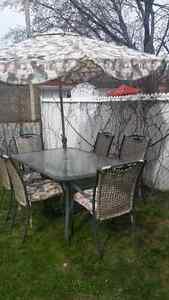 Set de patio 250$