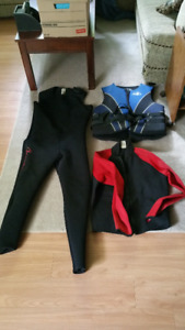 Men's XL Wetsuit and Life Jacket