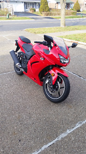 2012 Kawasaki Ninja 250 - Great condition/Garage stored