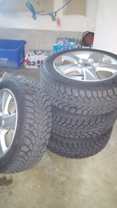 winter rims and tires for sale Goodyear Nordic pay 800 for them