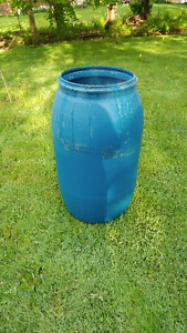 Rain barrel or garbage bin