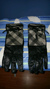 BURBERRY WOMEN'S GLOVES