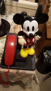 VINTAGE MICKEY MOUSE DISNEY AT&T PUSH BUTTON TELEPHONE PHONE WOR