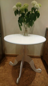 White Solid wood Table