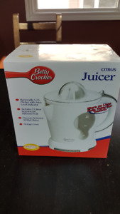 Betty Crocker Electric Juicer - NEW in Box, Never Used