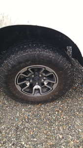285/70r17 toyo open country AT with oem ram rebel rims