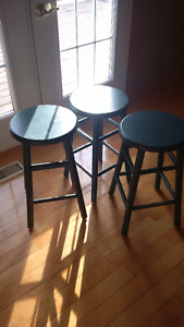 3 wood bar stools