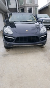 2012 Porsche Cayenne Turbo w/ Tip new WINTER TIRES