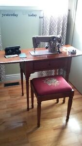 Singer Electric Sewing Machine with Table and Chair