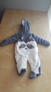 Raccoon soft snow suit size 0-3 months