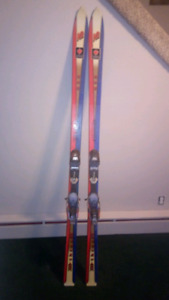 SNOW SKIS (K2 EXTREME) W/ NORDICA M1 SC BINDINGS