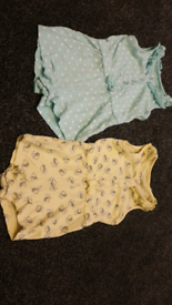 2x baby rompers 9-12 months