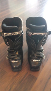 Nordica Woman's Ski boots Size 8 or 240 mm