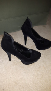 Beautiful Black Suede Pumps with Wedge at toe
